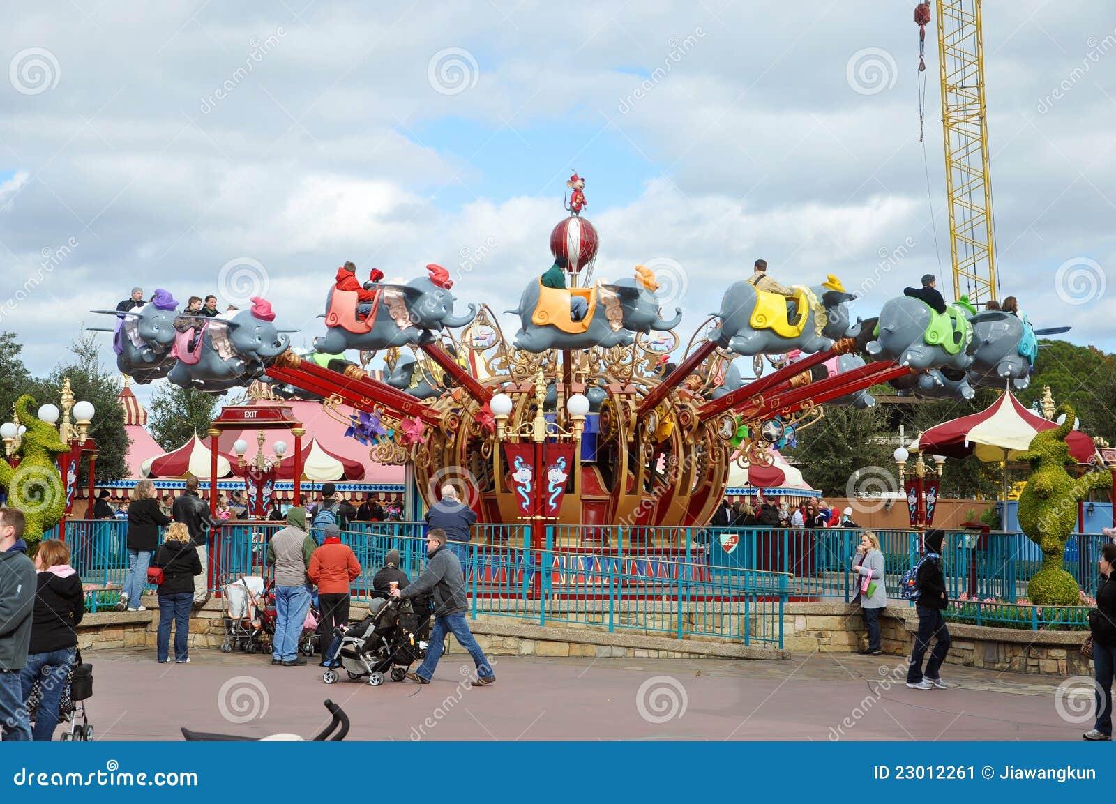 Dombo der Flugwesen-Elefant in der Disney-Welt
