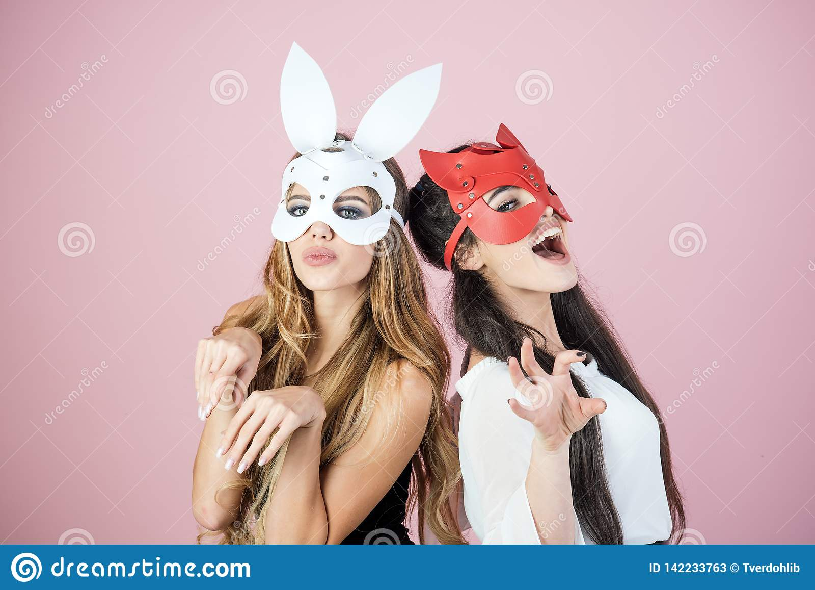 Dominant, maîtresse, bdsm, masque érotique de lapin
