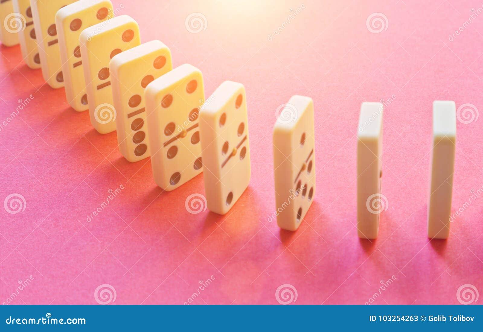 Domino rząd na menchiach