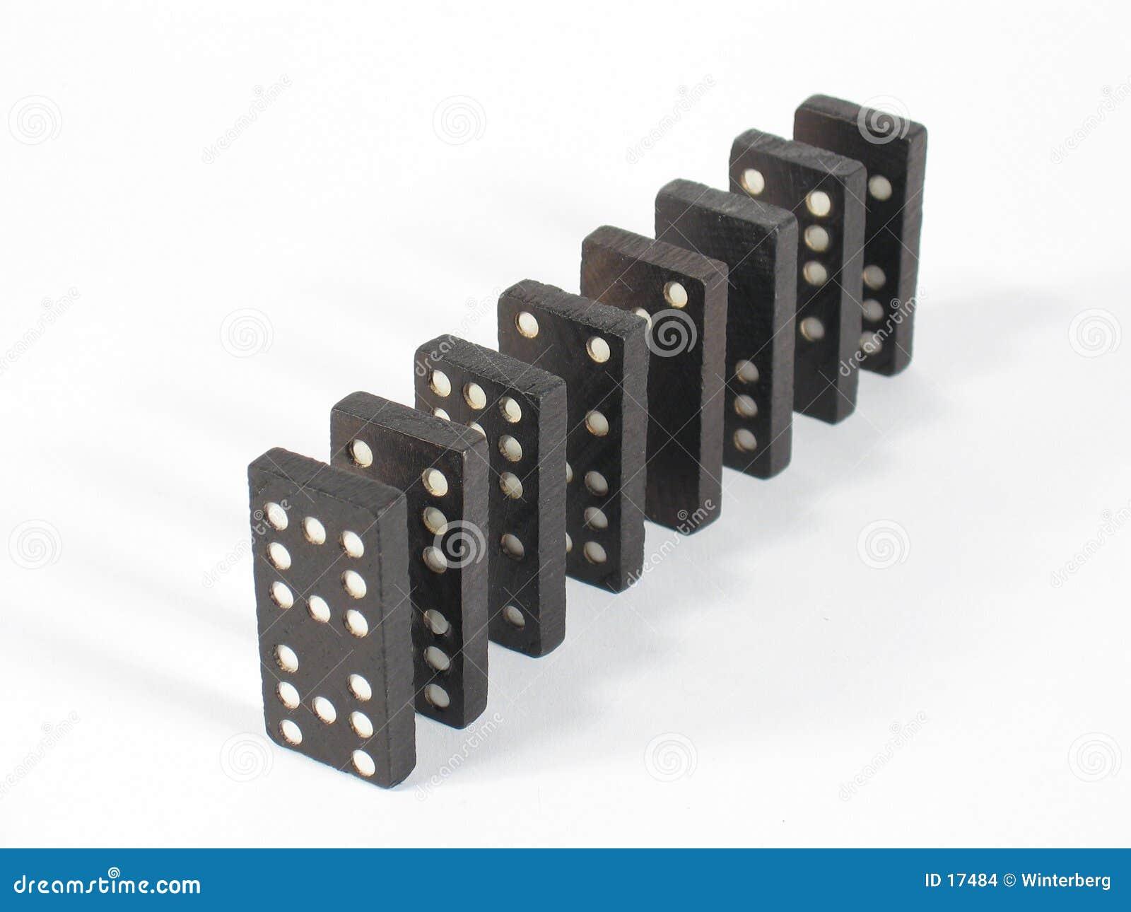 Domino rządu na szczyt