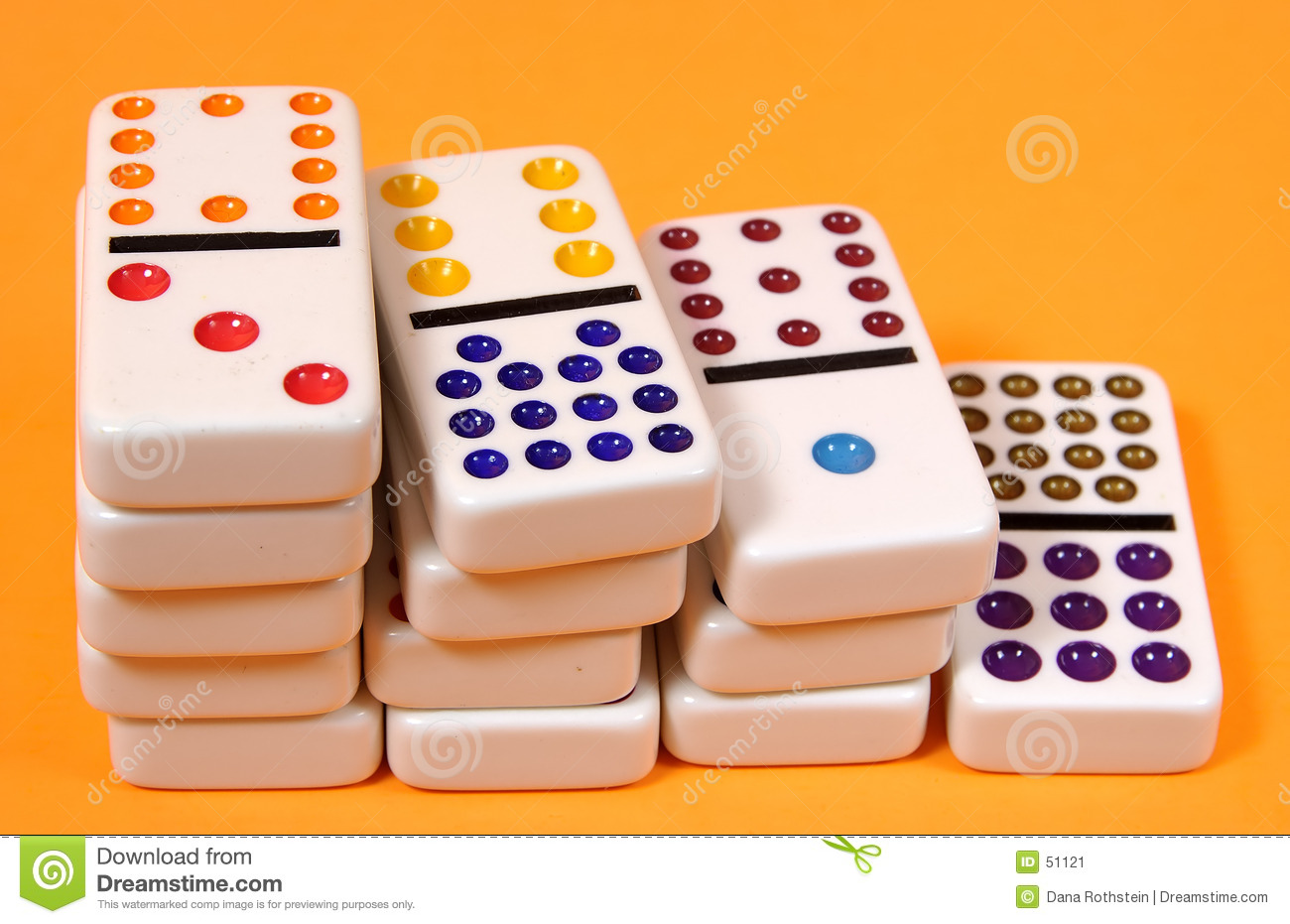 Download Dominos image stock. Image du solution, jouet, domino, tuiles - 51121