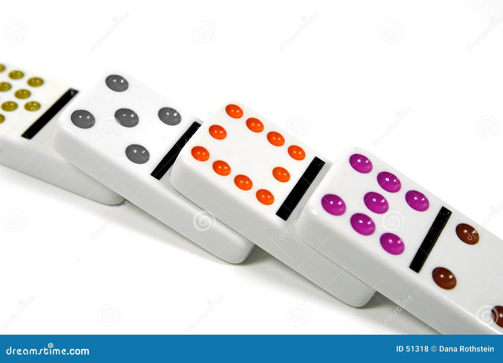 Download Dominos tombés photo stock. Image du détruisez, pile, victoire - 51318