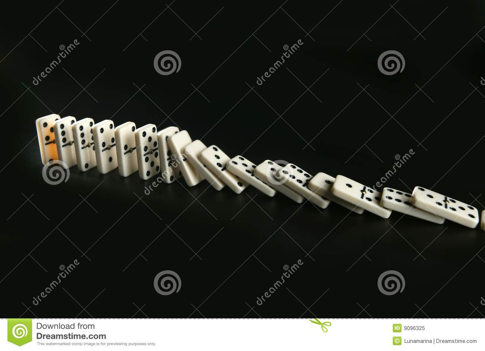 Dominospiel-Geschäftsmetapher
