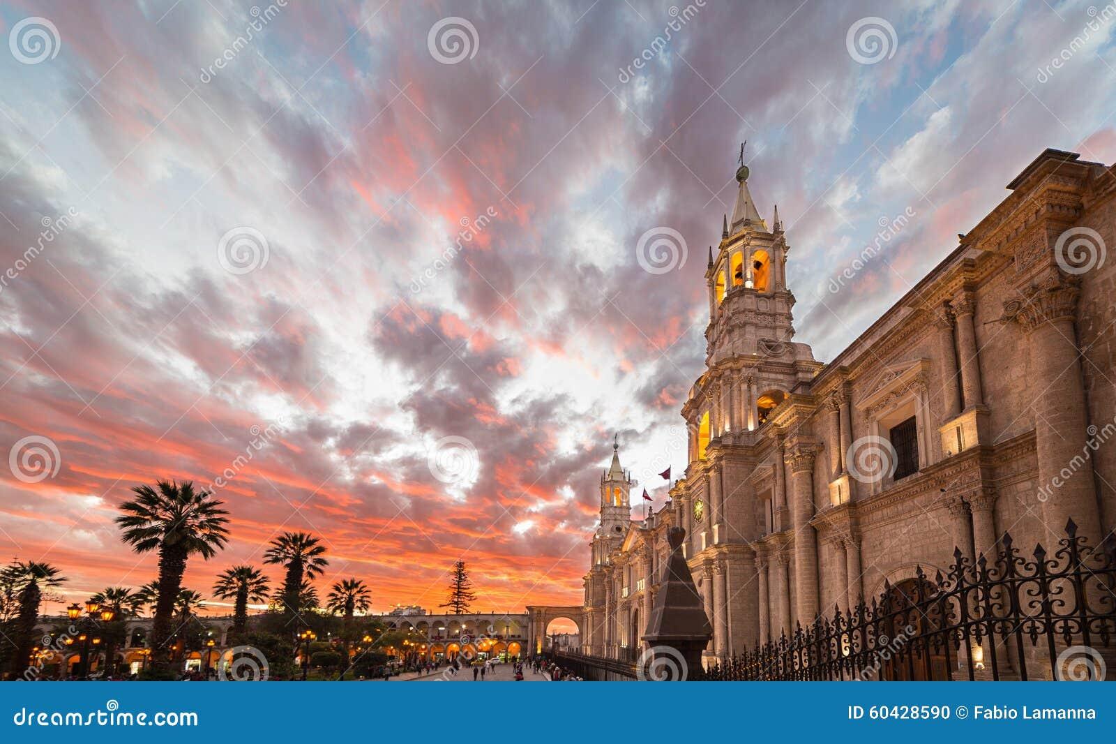 Domkyrkan av Arequipa, Peru, på skymning