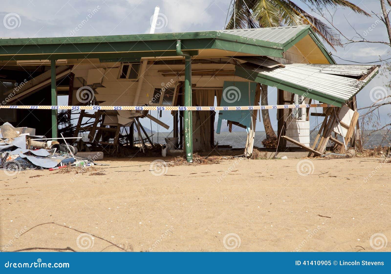 Dommages de cyclone d ouragan