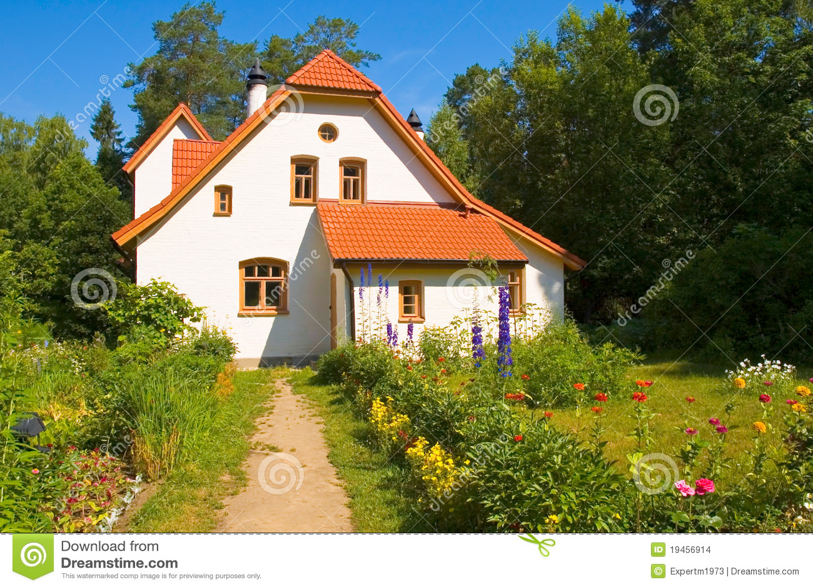 Domowy czerwony dachowej płytki biel