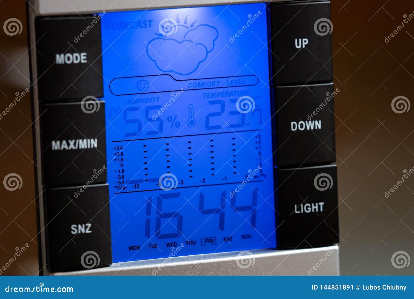 Domowych cyfrowych pogodowej stacji outside przedstawień temperaturowa wilgotność, zegar i prognoza pogody,