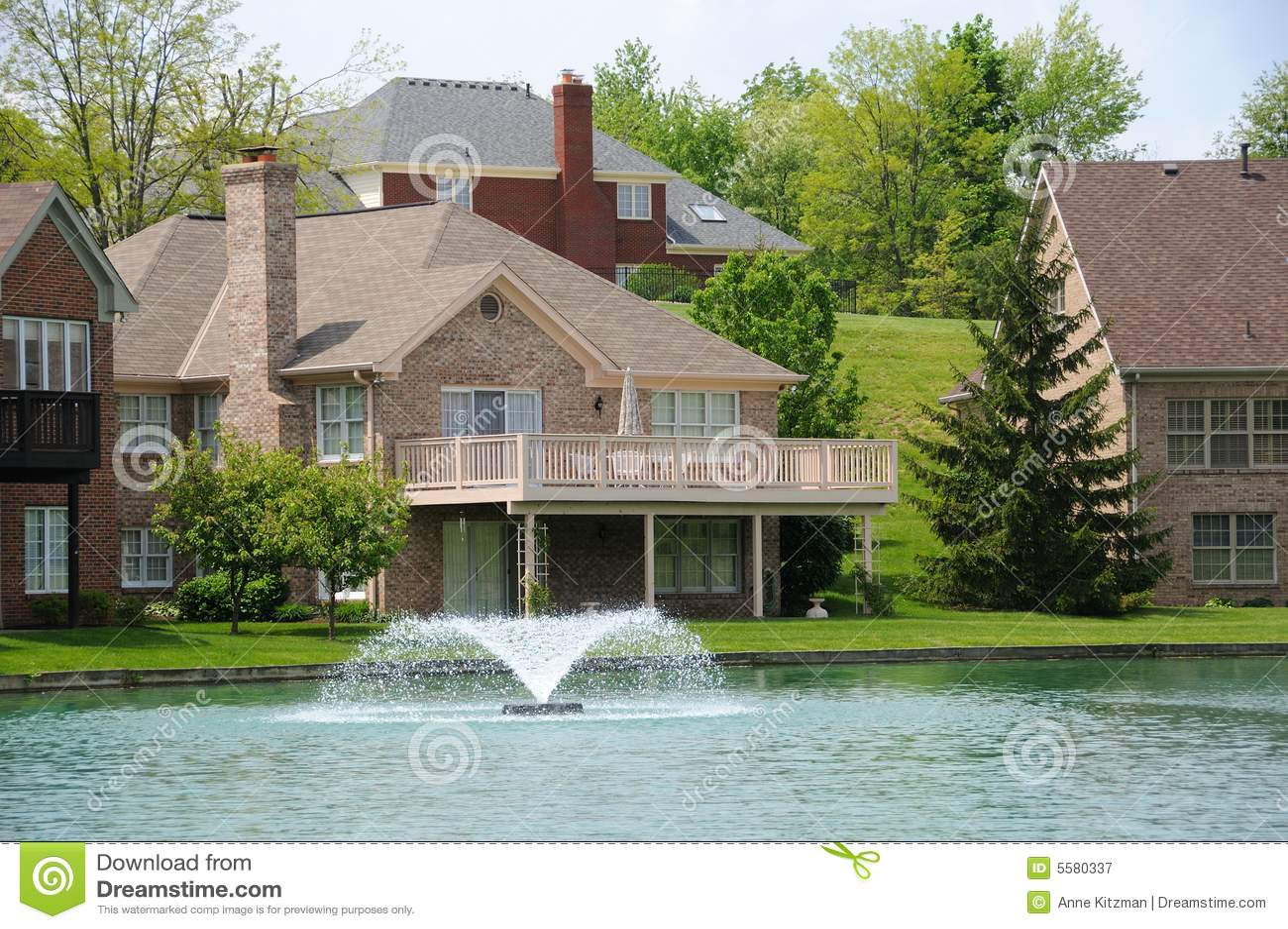 Domy lakeside