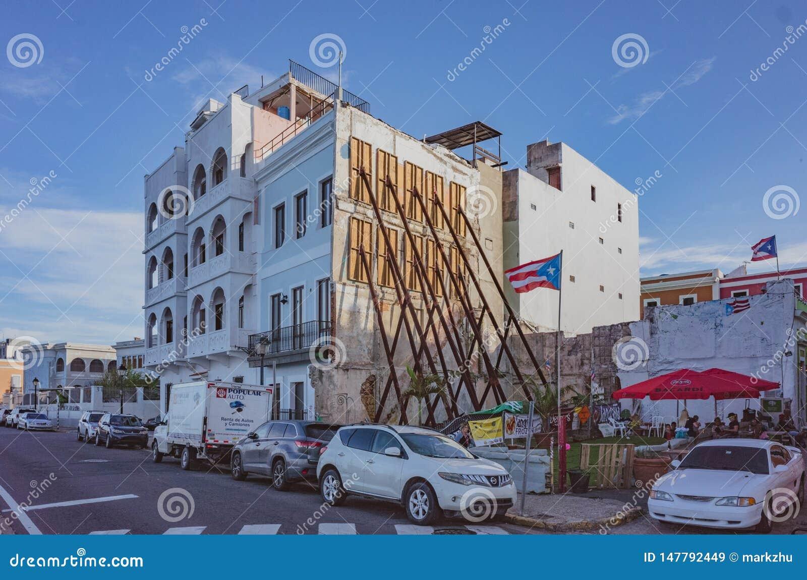 Domy z wzmacnieniami w Starym San Juan