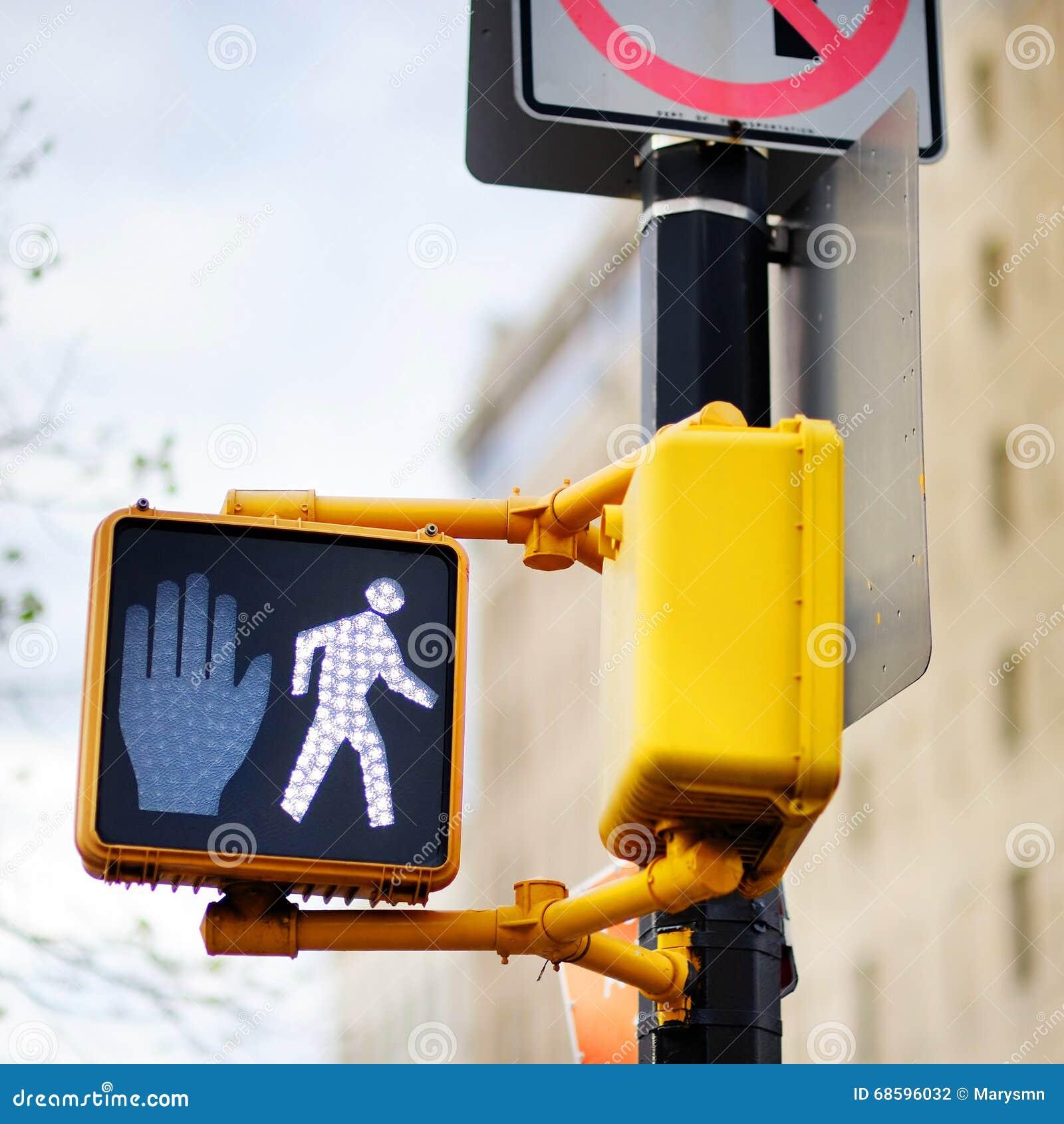 Don t walk New York traffic sign