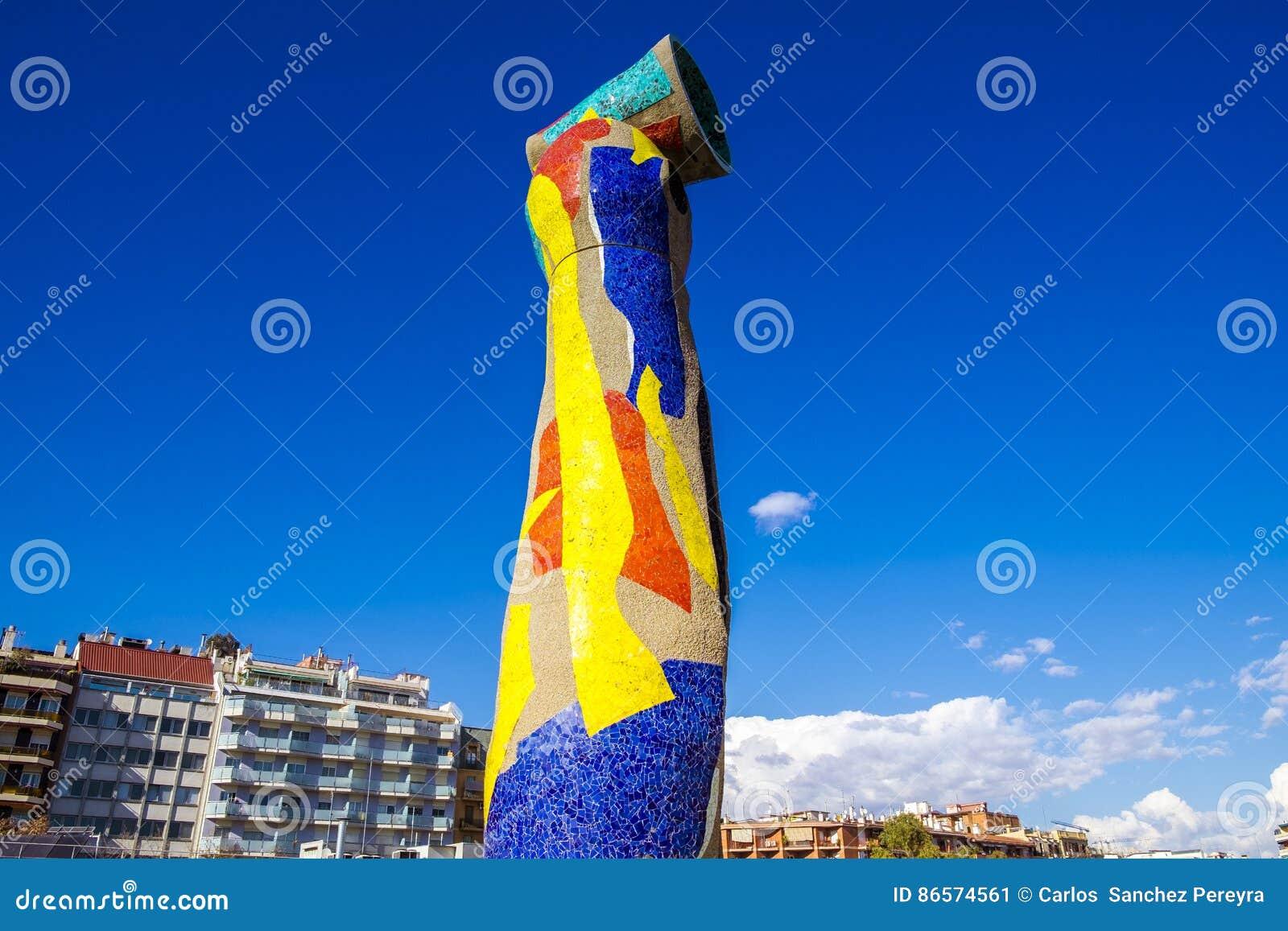 Dona do ` da mulher e do pássaro do ` da estátua mim Ocell, no catalan, criado por J