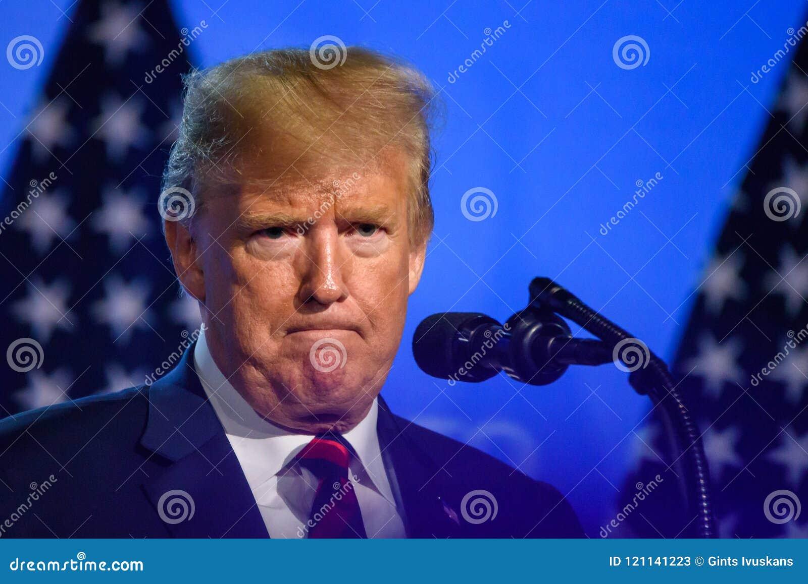 Donald Trump, Präsident von den Vereinigten Staaten von Amerika, während der Pressekonferenz an NATO-GIPFEL 2018