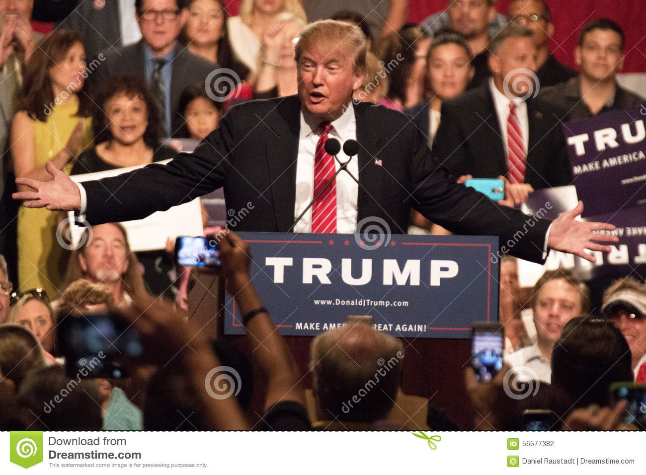 Donald Trump s first Presidential campaign rally in Phoenix