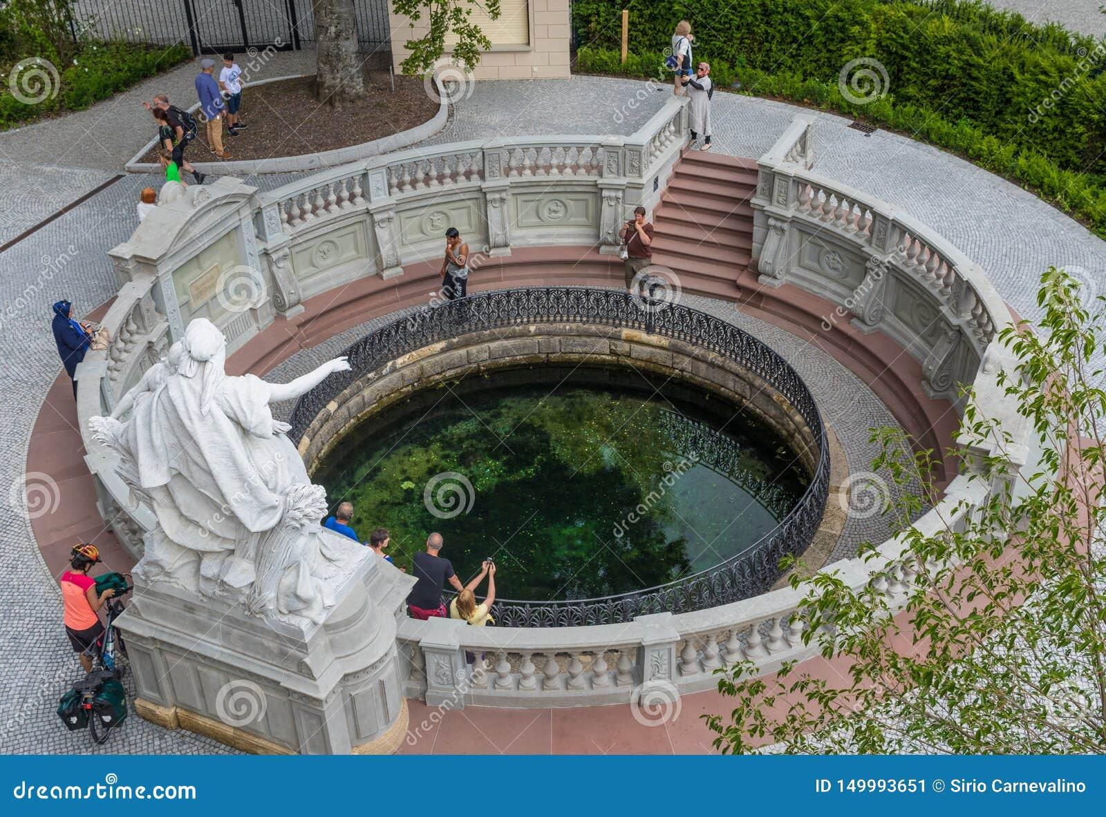 Donaueschingen, Deutschland - die Quelle von Donau