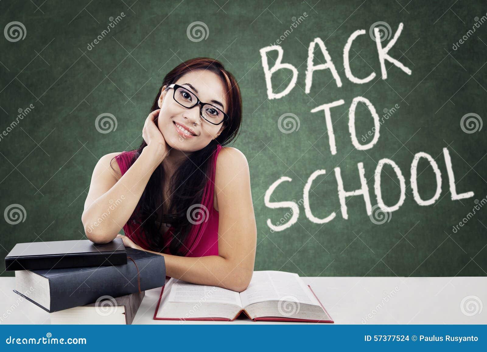 Donkerbruine student terug naar school