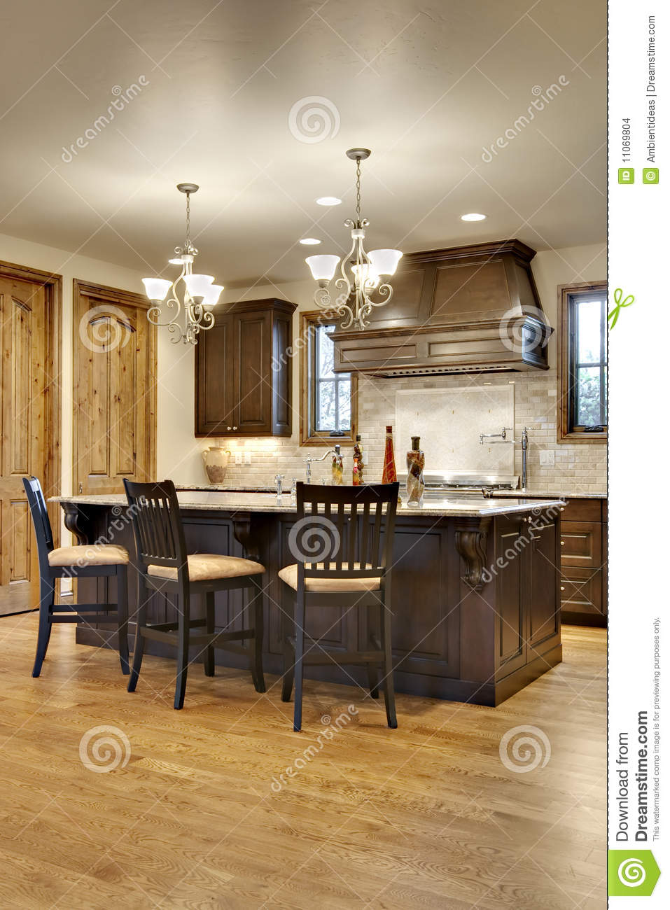 Donkere Keuken Vloer : Granite with Dark Wood Kitchen