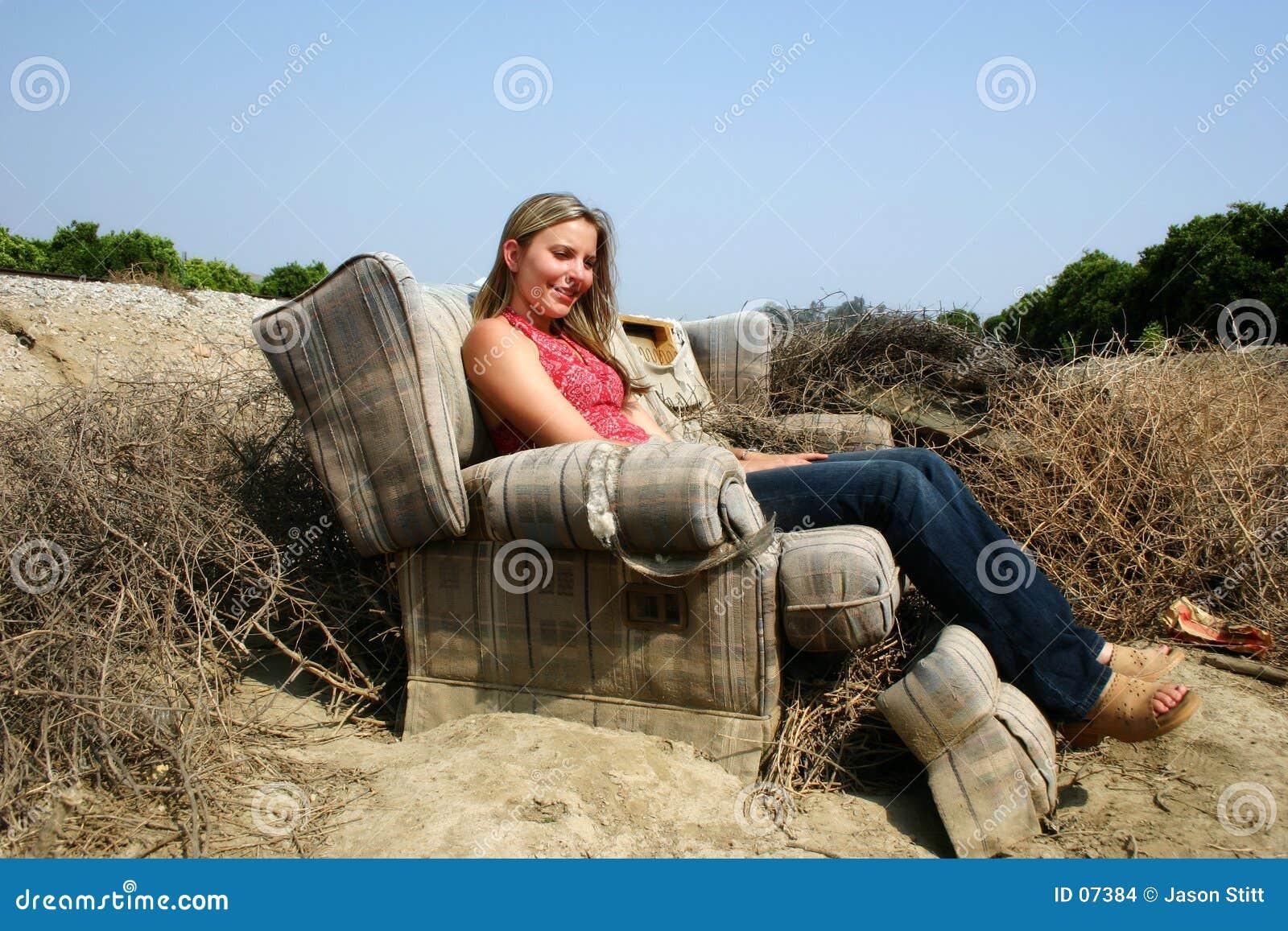 Download Donna fotografia stock. Immagine di teen, strato, sofà, strappato - 7384