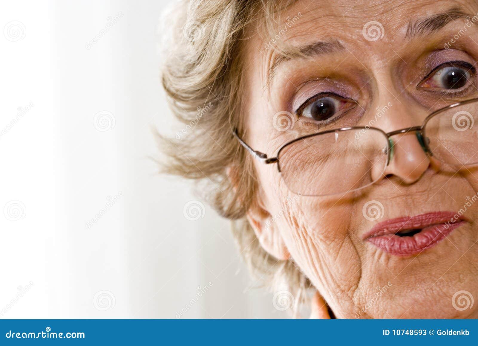 Donna anziana immagine stock. Immagine di soltanto ...