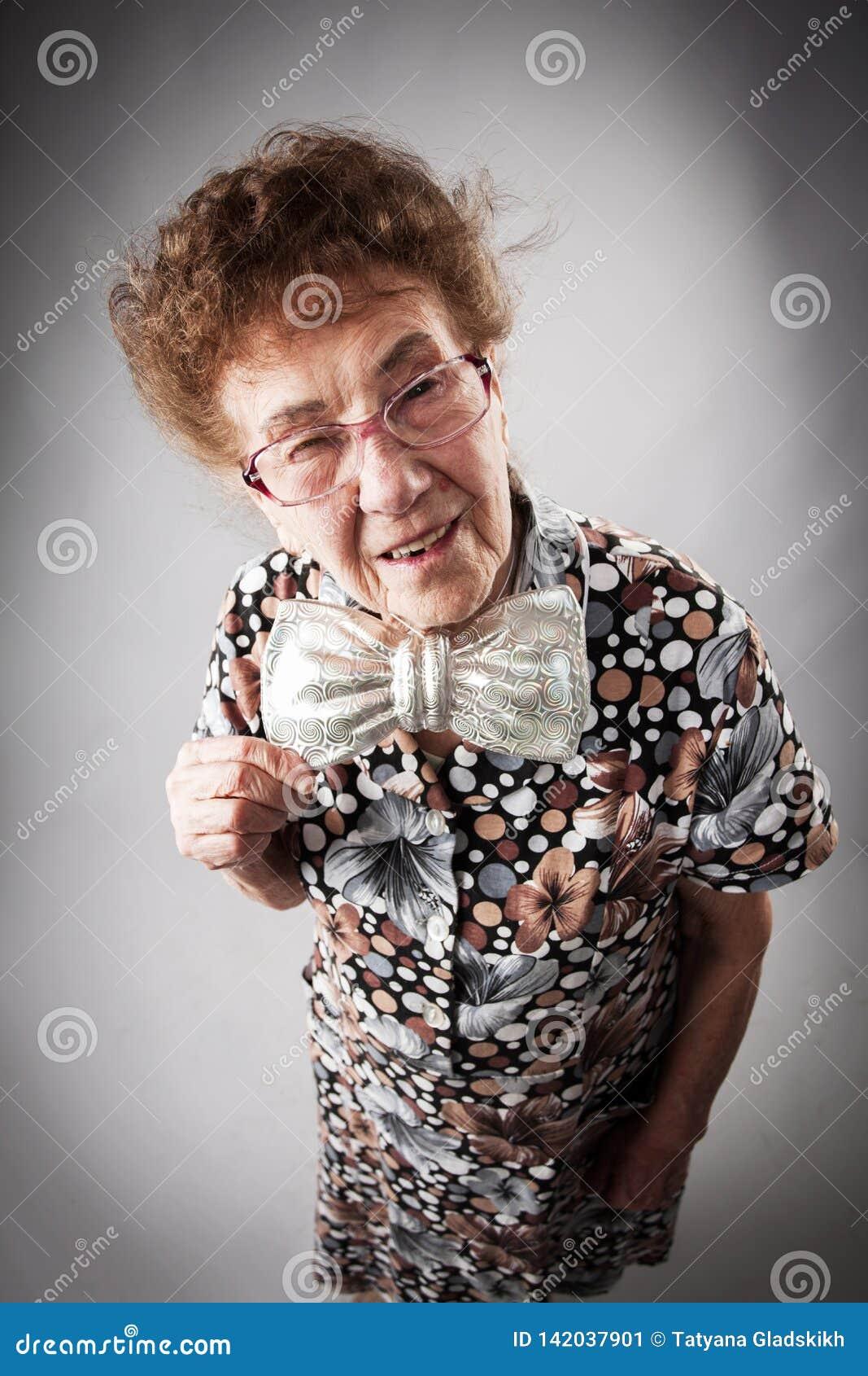 Donna Anziana Di Divertimento Immagine Stock - Immagine di ...