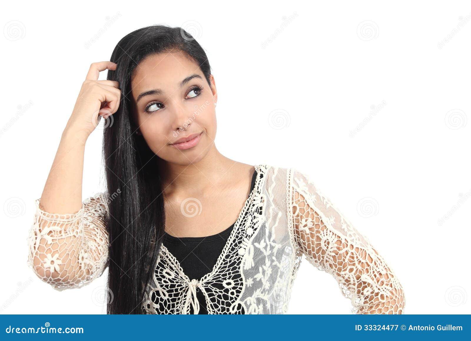 Donna araba graziosa con un dubbio