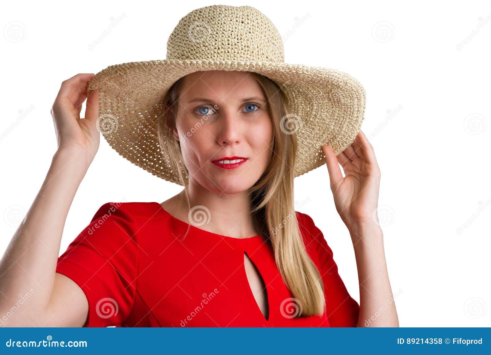Donna Bionda In Vestito Rosso Con Il Cappello Di Paglia ed47f9227d40