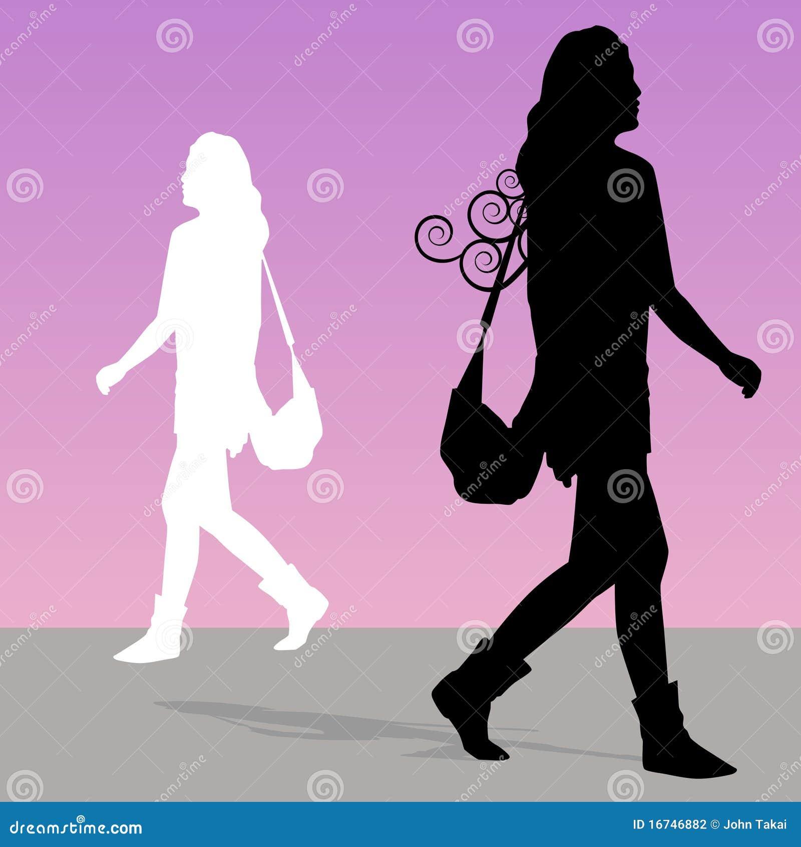 Donna che cammina con la borsa