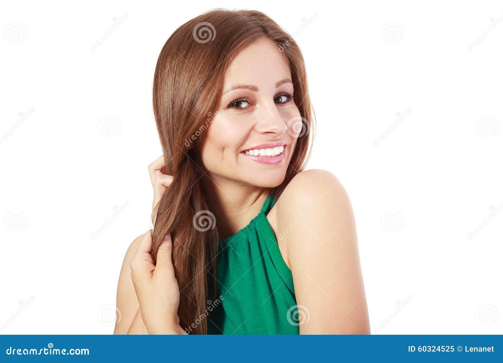 Donna che tiene i suoi forti capelli