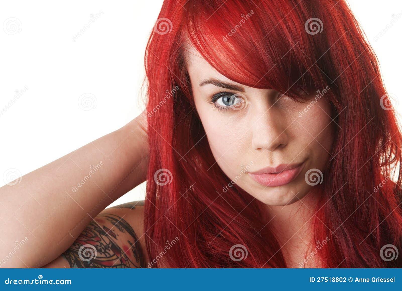 Donna Con Capelli Ed Il Tatuaggio Rossi Fotografia Stock ...