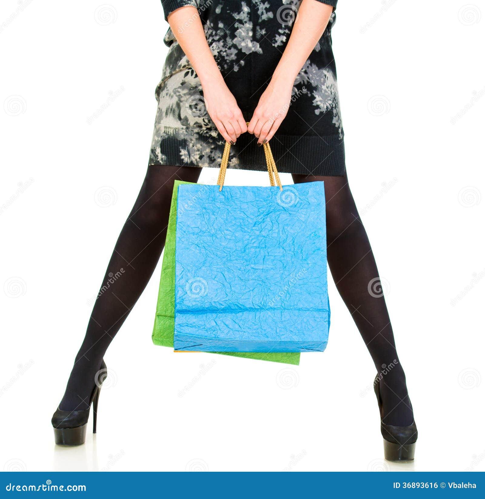 Download Donna Con I Sacchetti Della Spesa Fotografia Stock - Immagine di consumo, femmina: 36893616