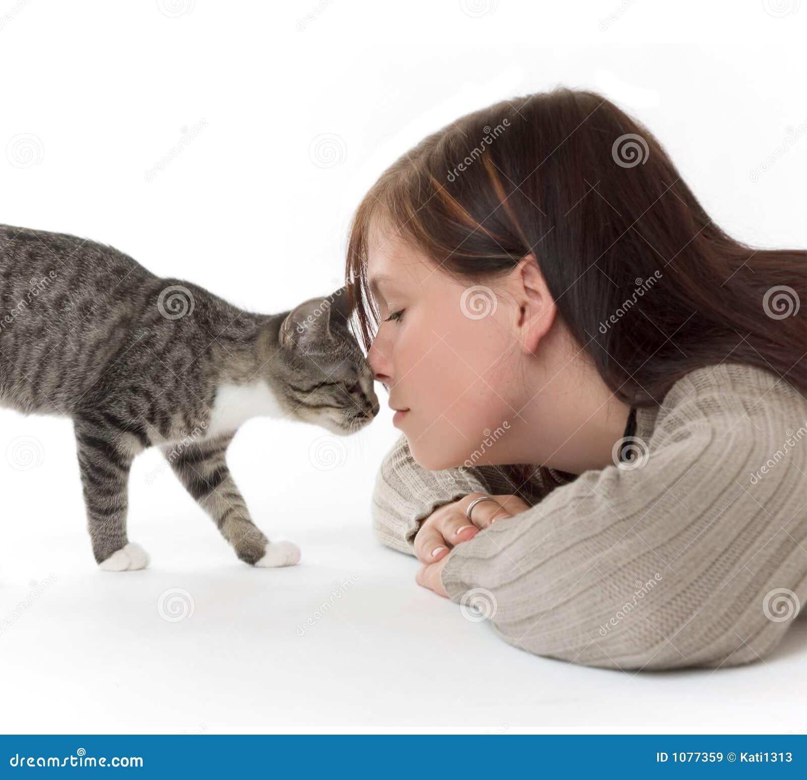 Donna con il gatto
