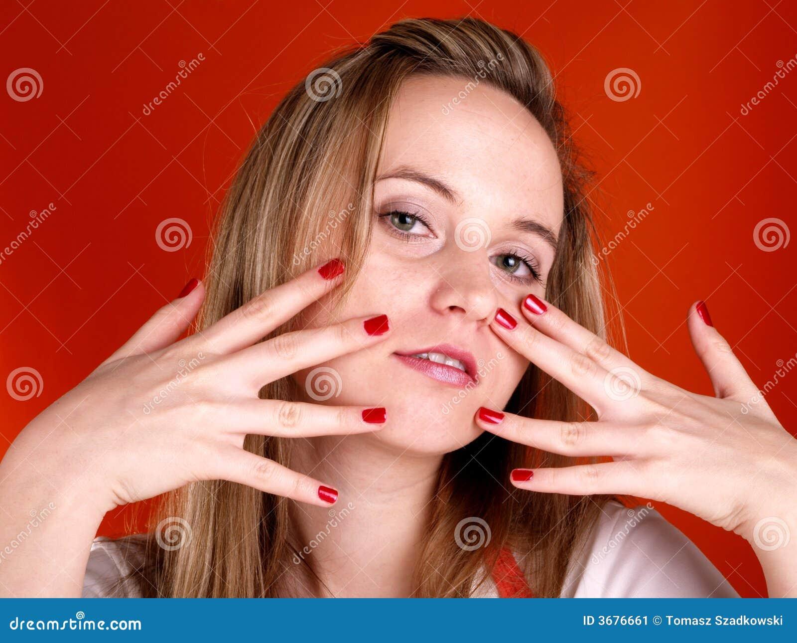 Download Donna Con Le Barrette Sopra Il Suo Fronte Immagine Stock - Immagine di signora, modo: 3676661