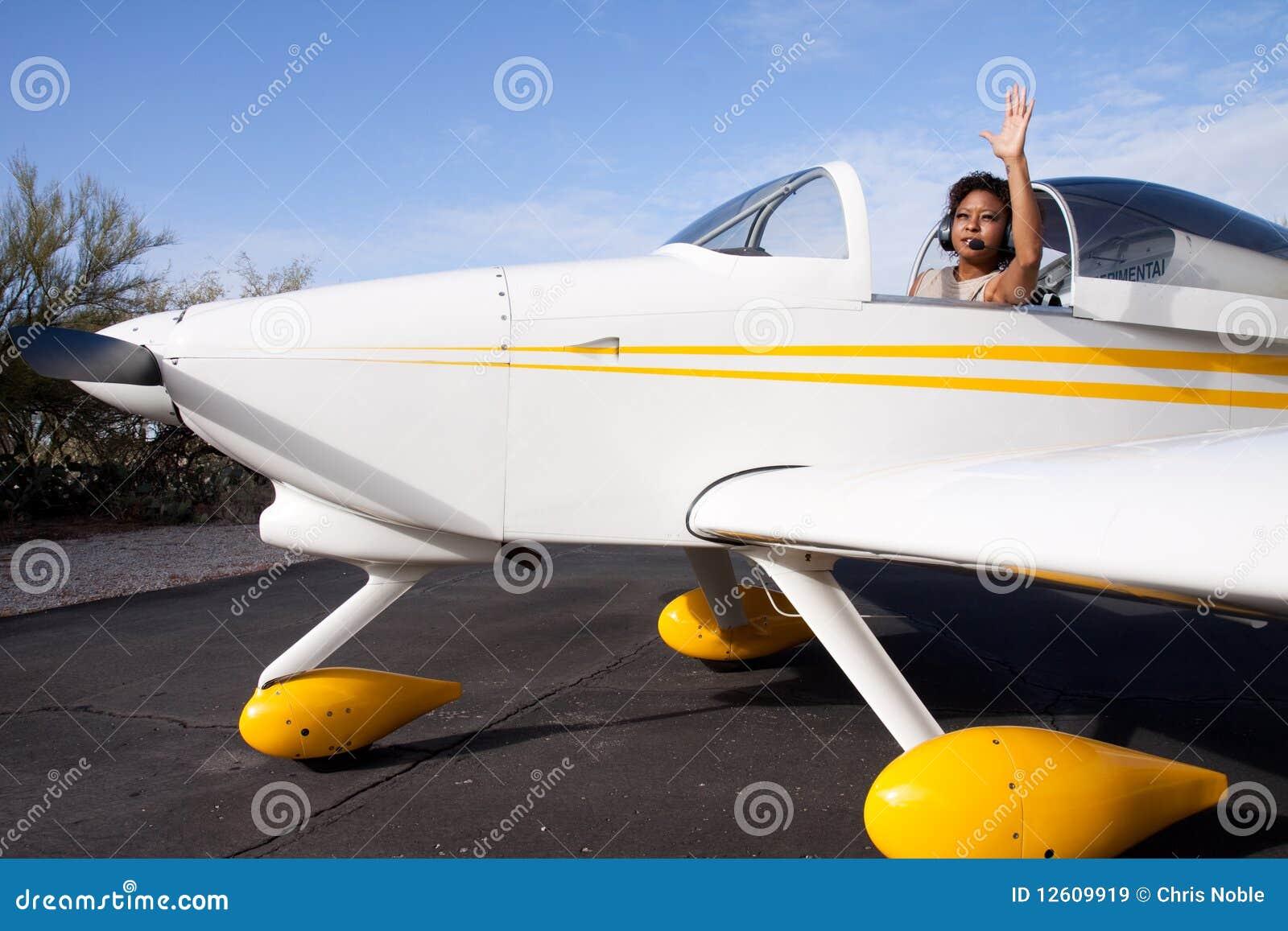 Aereo Privato Usato : Donna dell afroamericano che pilota un aereo privato