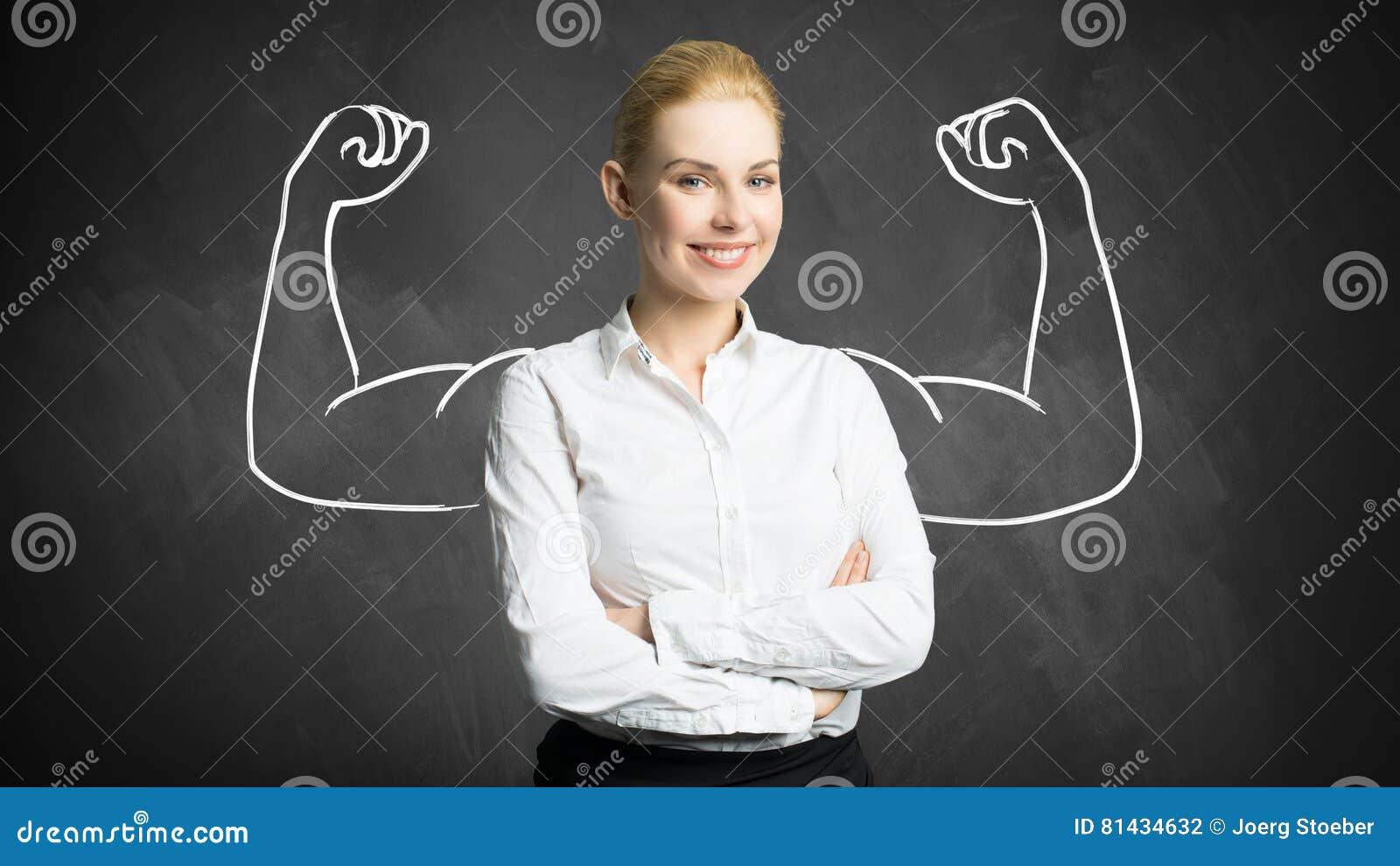 Donna di affari con il disegno che simbolizza potere