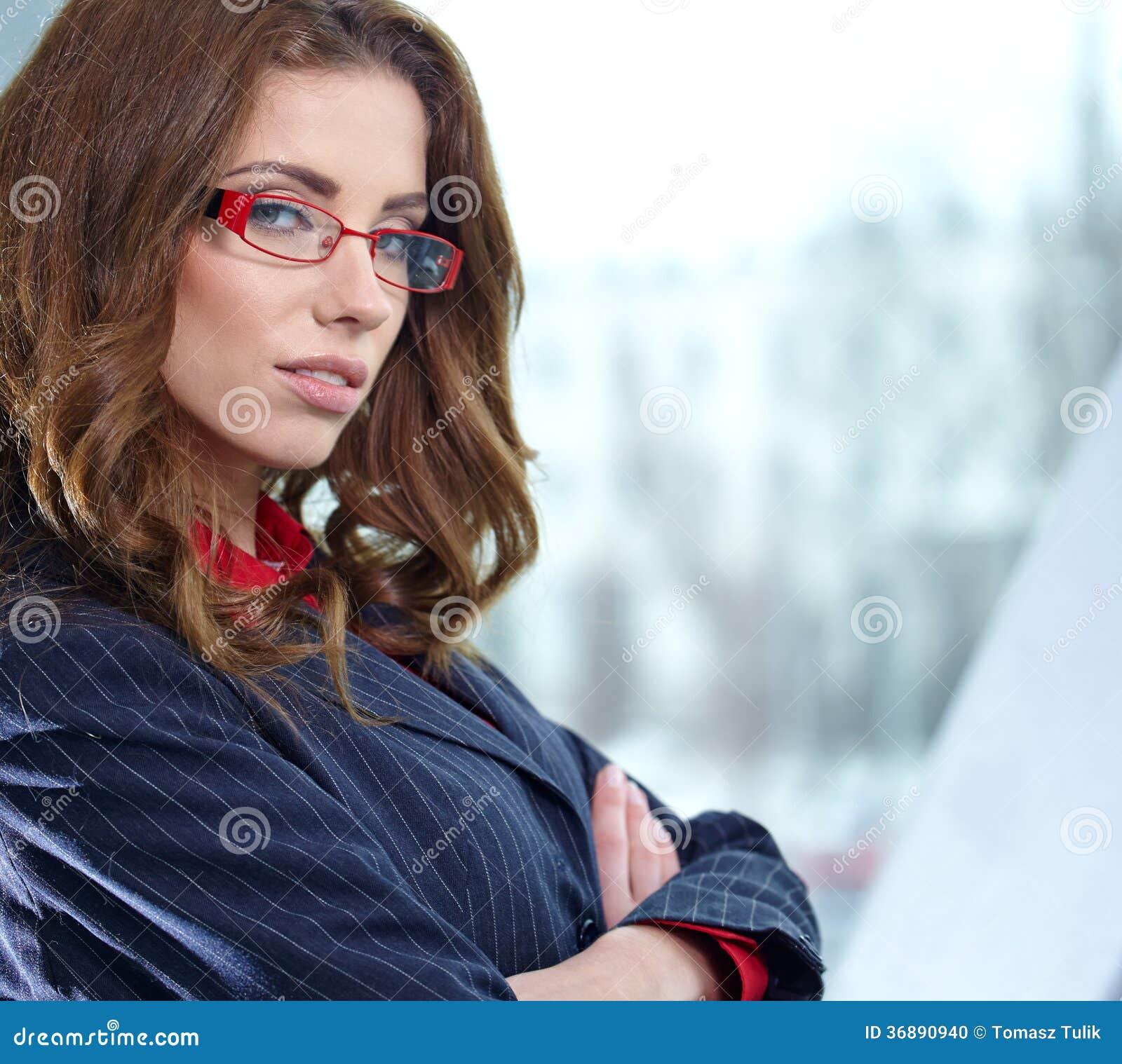 Download Donna Di Affari Nell'interno Di Vetro Fotografia Stock - Immagine di gestore, femmina: 36890940