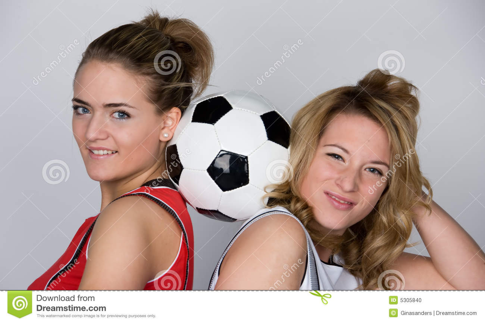 Download Donna di calcio fotografia stock. Immagine di pink, ragazza - 5305840