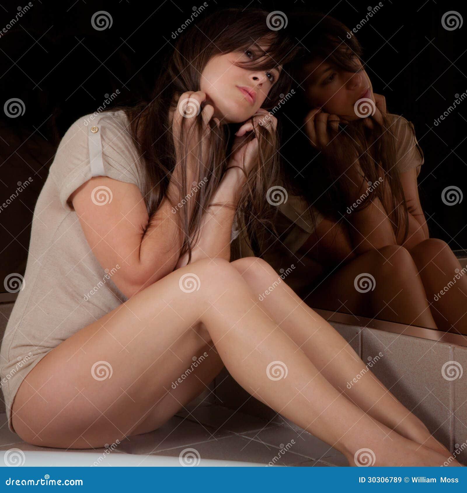 Donna e riflessione