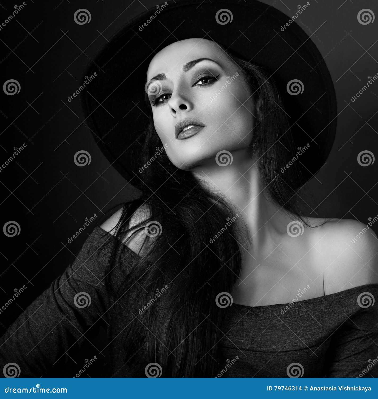 Donna Sexy Sull Cappello Trucco Modo In Elegante Posa Di Che Tr5wqTv