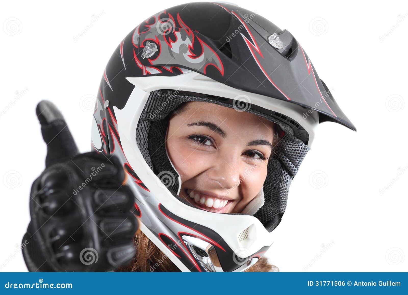 Donna Felice Del Motociclista Con Un Casco E Un Pollice Di