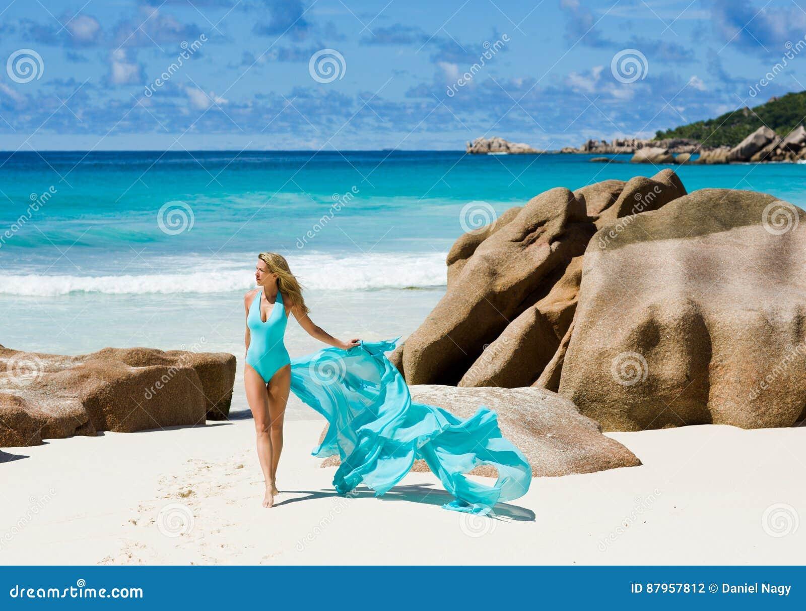 Sognare Costume Da Bagno Rosso : Bikini costumi da bagno accessori da spiaggia