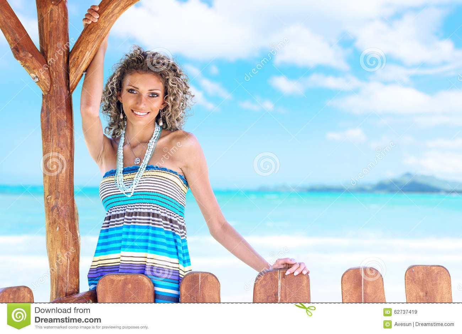 Donna in mare