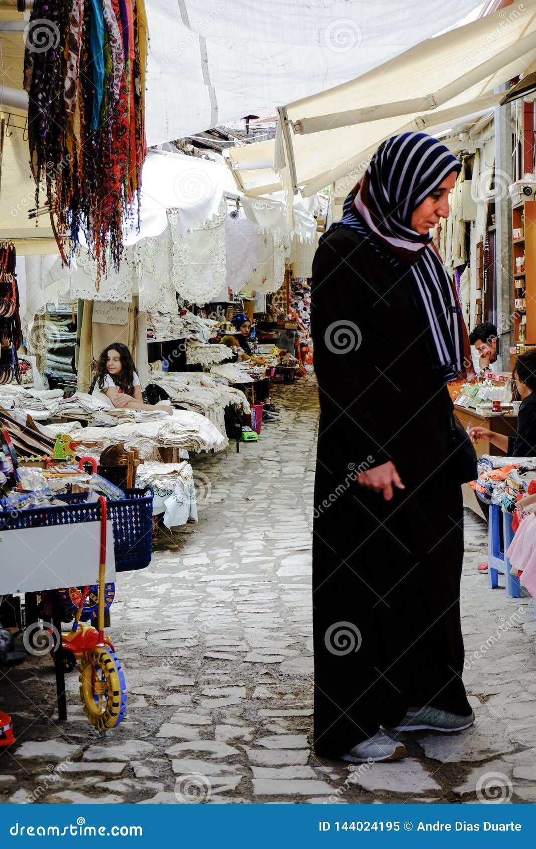 Donna nel mercato tipico, Turchia
