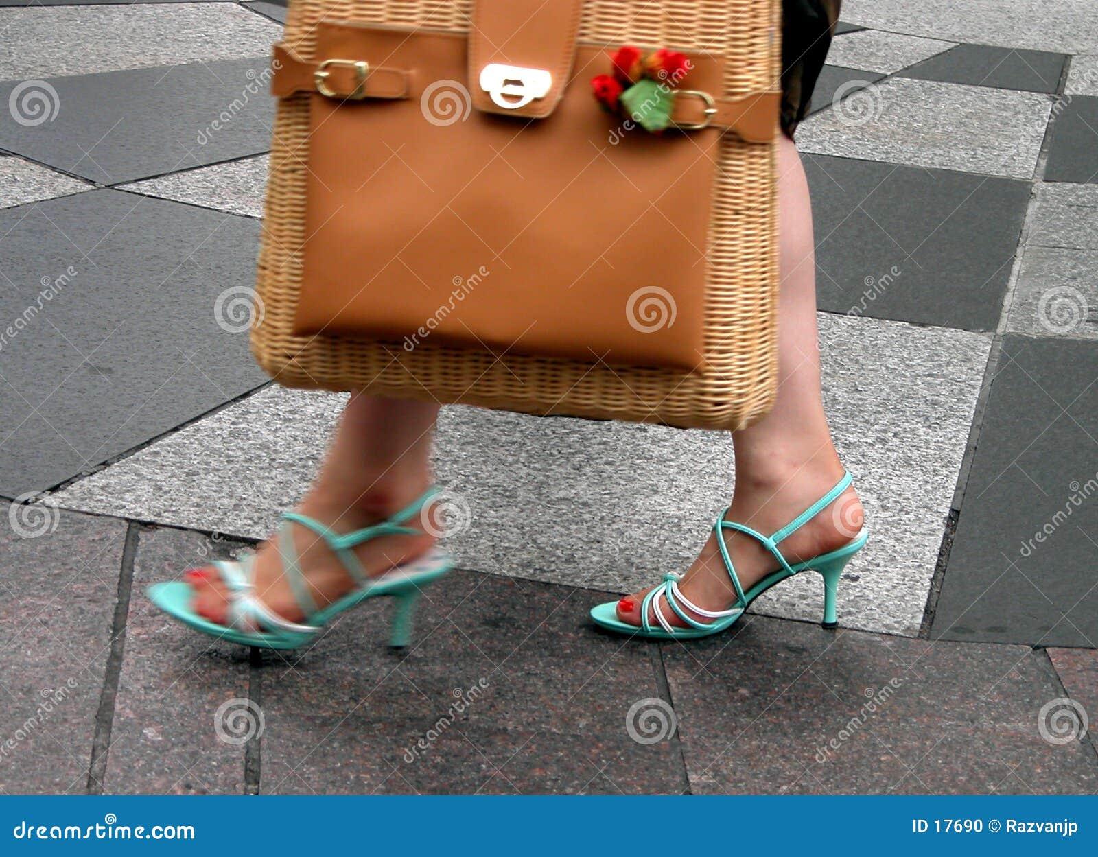 Donna nella città