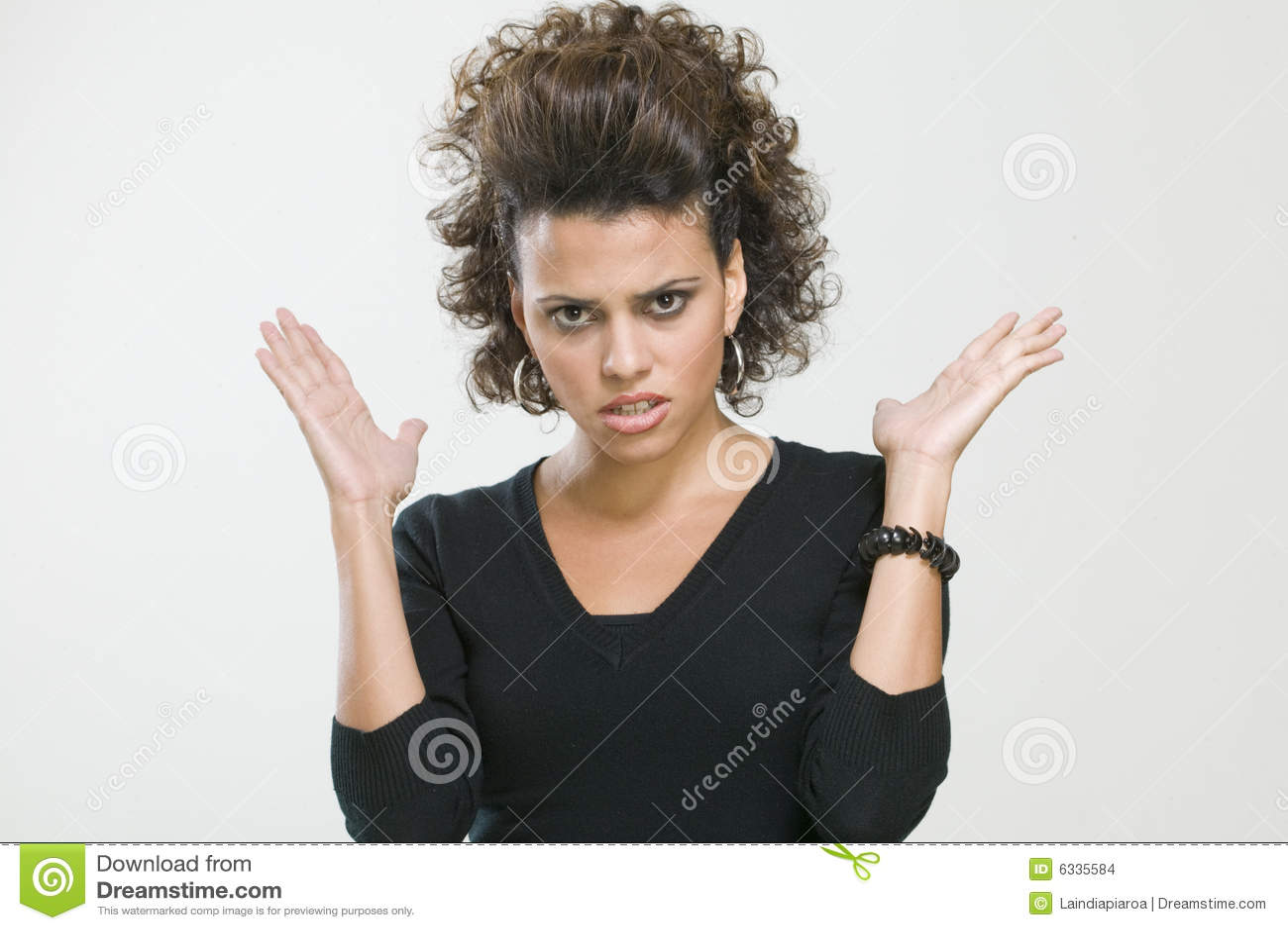 Maschera della donna preoccupata che fa i gesti con le sue mani