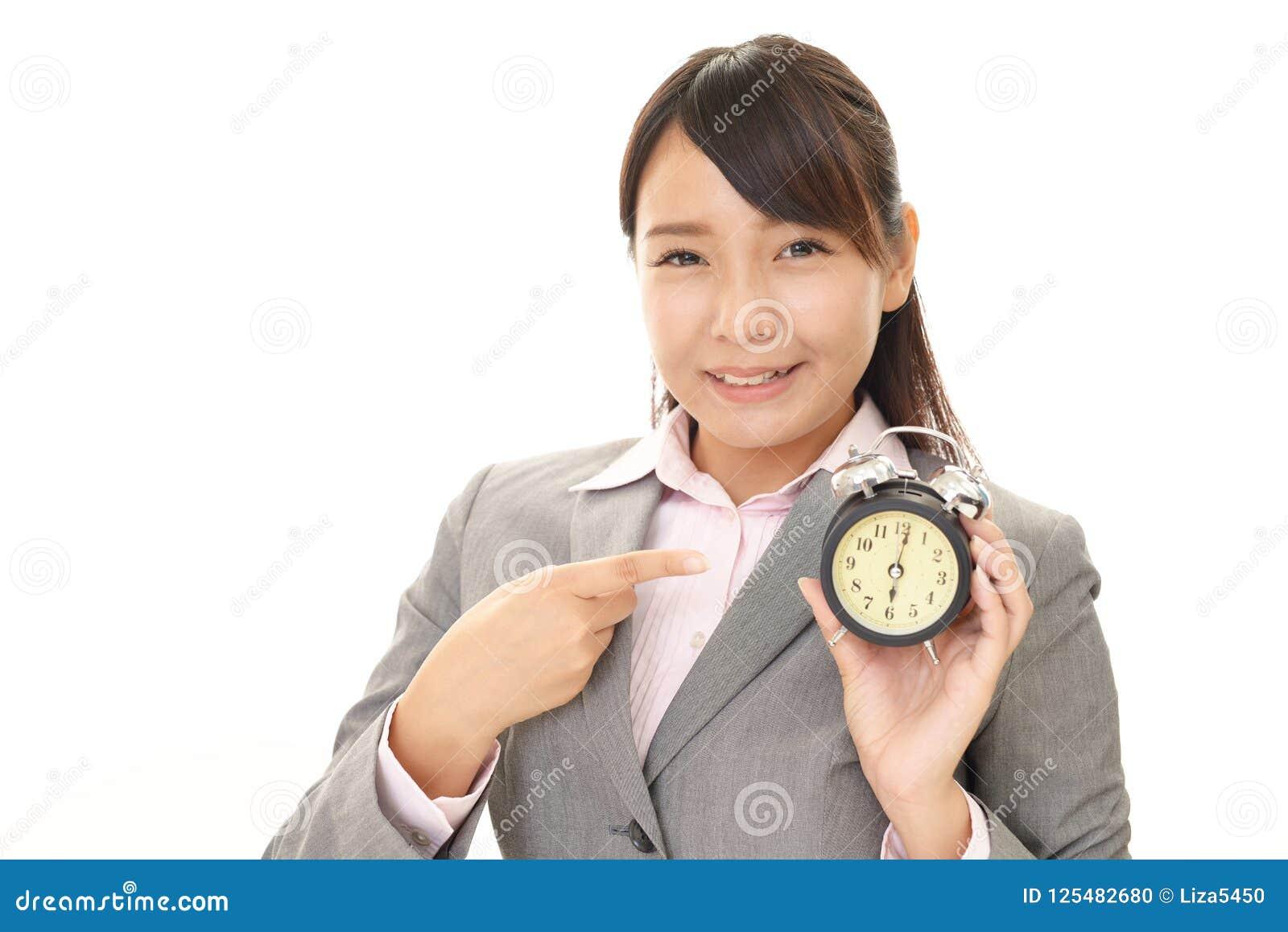 Donna sorridente di affari