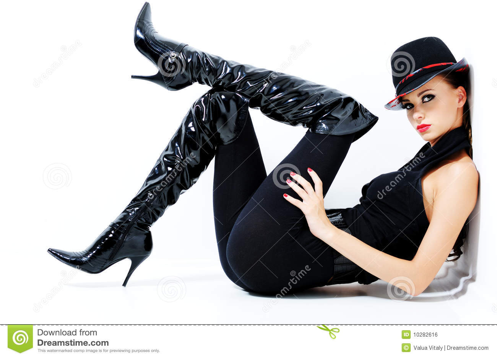 Donna splendida alla moda