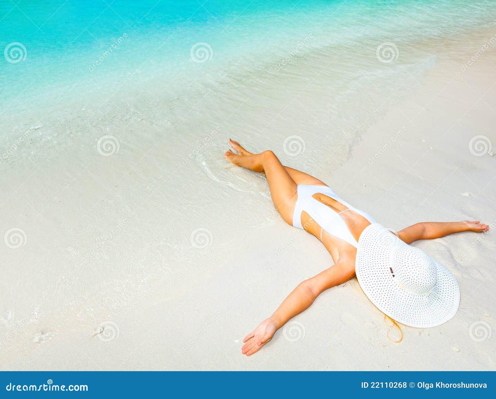 Donna in spiaggia nude picture 74