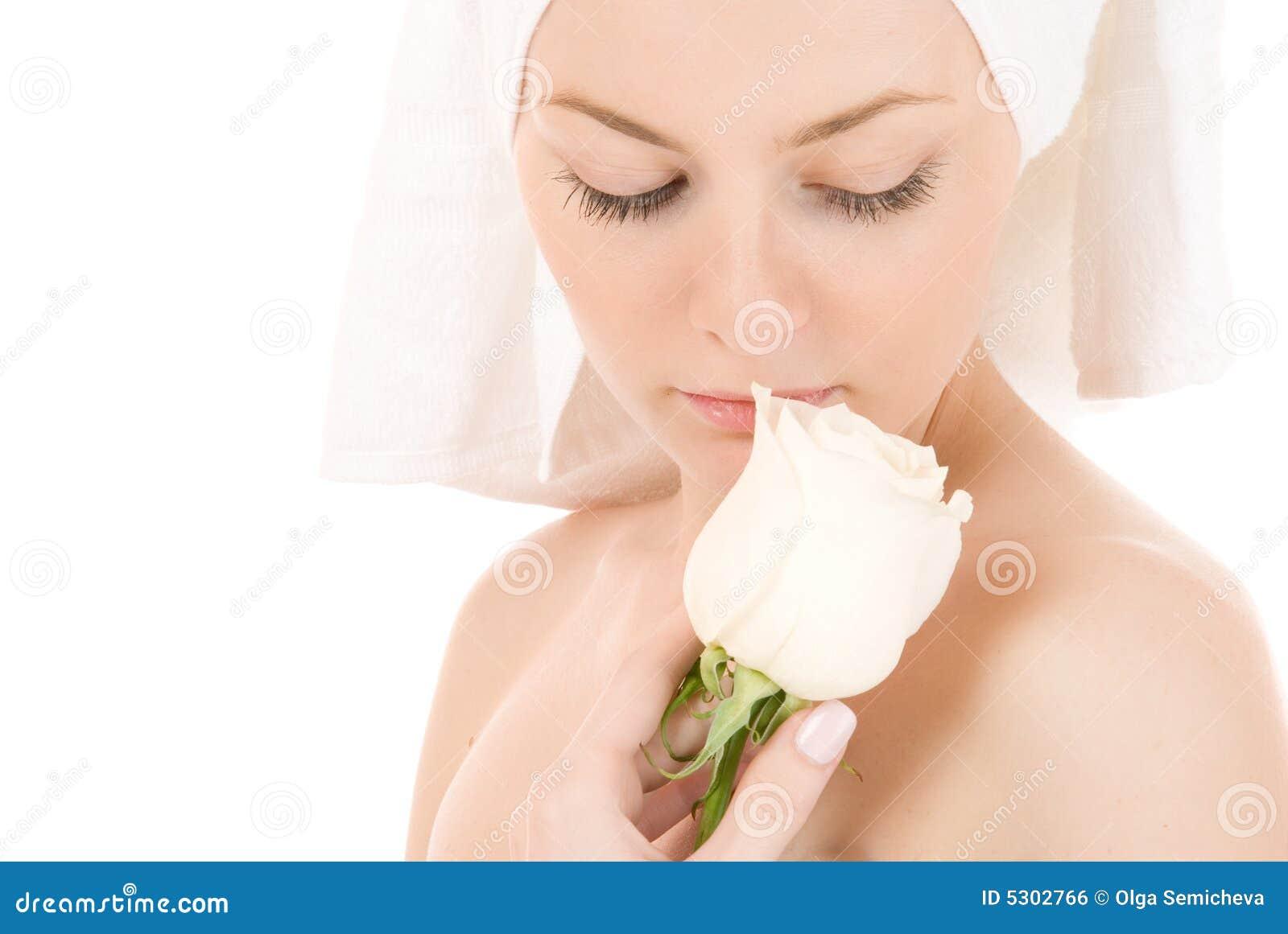 Download Donna in tovagliolo bianco fotografia stock. Immagine di people - 5302766