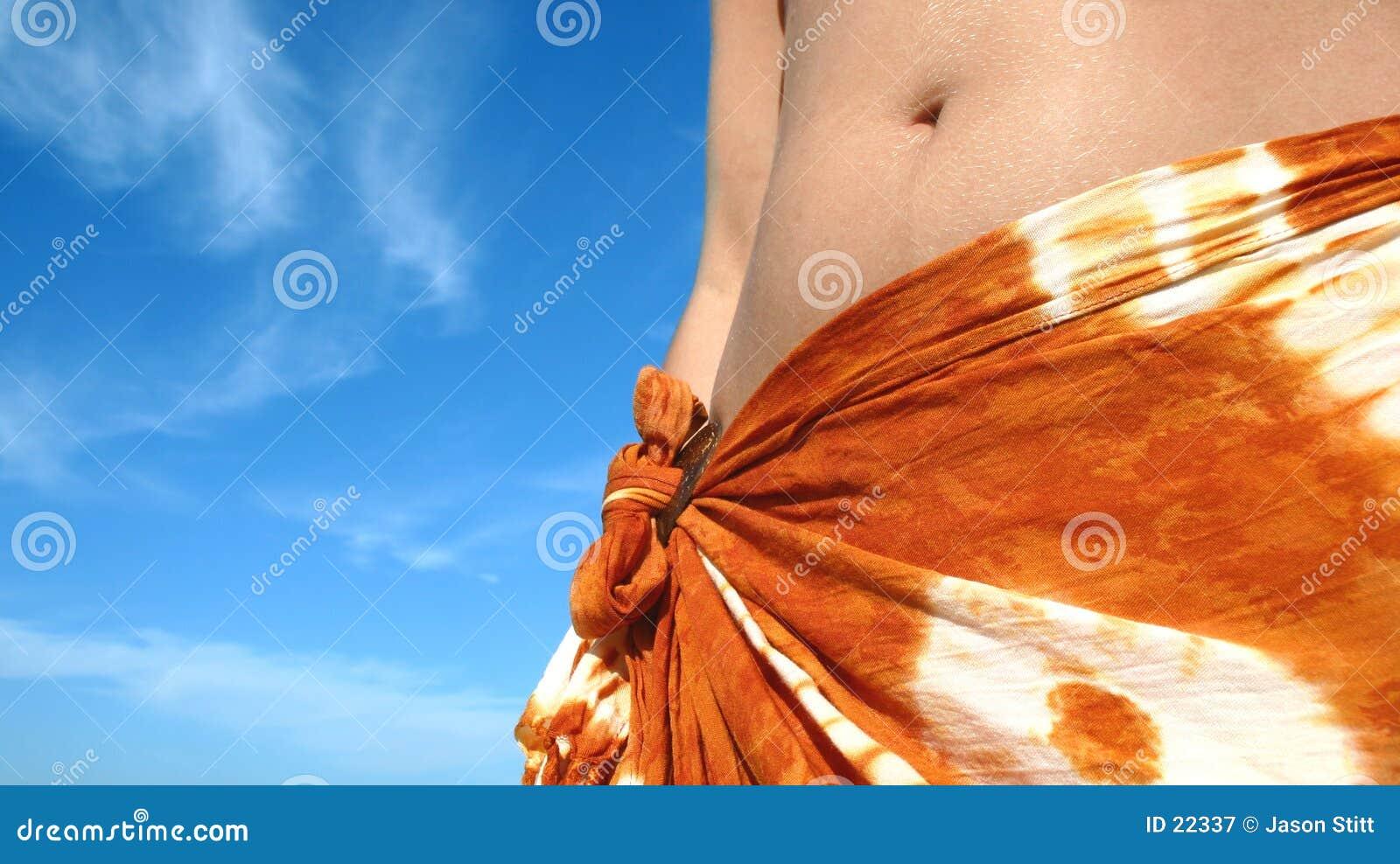 Donna tropicale di estate