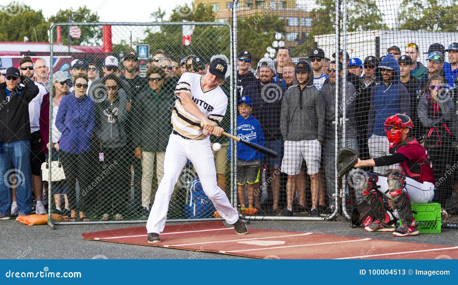 Donne un coup de pied les ressortissants supérieurs de Men's de Canada de base-ball