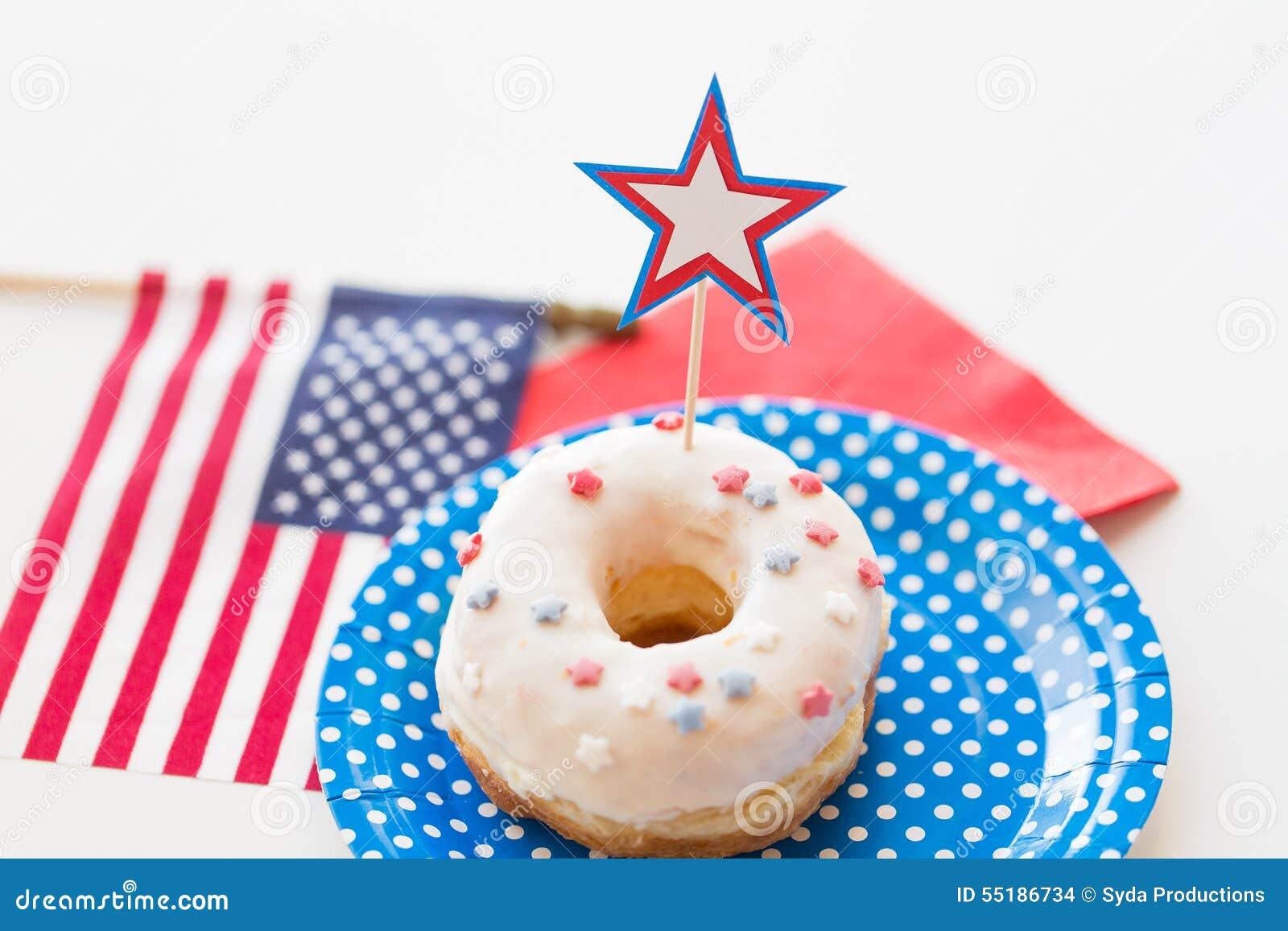 Donut mit Sterndekoration am Unabhängigkeitstag